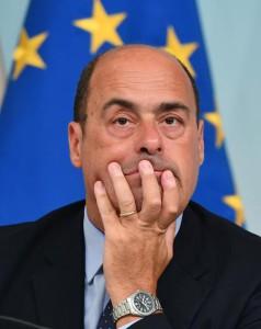 Il presidente della Regione Lazio Nicola Zingaretti durante la conferenza stampa a Palazzo Chigi, Roma, 21 agosto 2017.   ANSA/ETTORE FERRARI